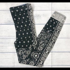 American Eagle Gray Floral Sweater Leggings Small